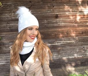 VIPhair.cz - SET! Dámská čepice s kamínky a šálou - white - Šály a ... 15d4c81687